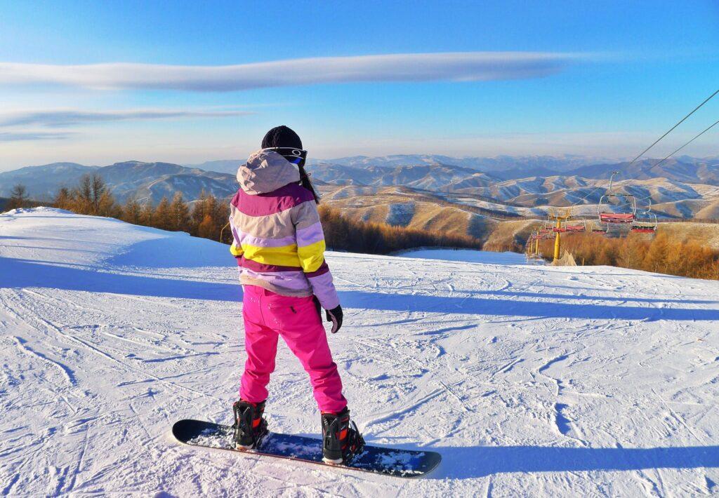 damska kurtka na snowboard