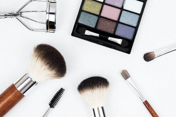 pierwszy makijaż